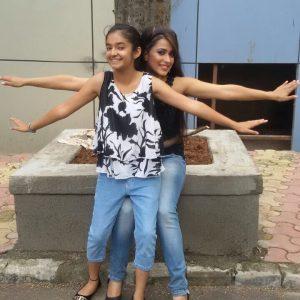 Anushka Sen Hot Photos With Friend